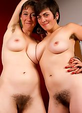 hairy girls, Louise fingers Charlie's hairy box