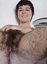 hairy bush, Sexy bath time with very hairy Harley