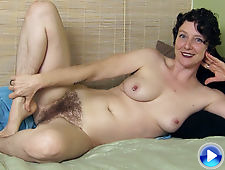 Meet the very sexy and beautiful Artemesia in bed